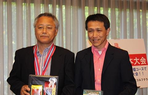 3位レギュラー唐澤俊生(左)ガイドの坂井善昭(右)