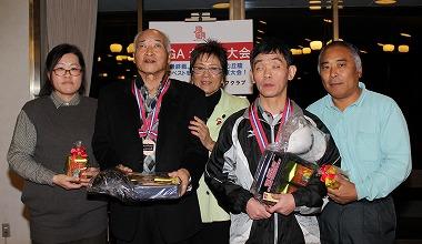 レギュラー3位の高松操さん(西下尚美さん)、チャレンジ田山悦男さん(前林利行さん)、中央は岡田美智子プロ